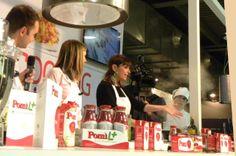 Vi sono piaciute le #ricette realizzate da Monica Bianchessi durante #Golosaria2013? Abbiamo caricato sul nostro canale #YouTube i video dello show cooking: ecco il link alla prima parte! http://www.youtube.com/watch?v=-ebMsp9d7n0&feature=youtu.be #food #cooking #cook #ricette #videoricette