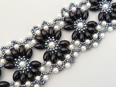 Perlové květiny černobílé - náramek