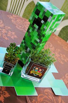 Encontrando Ideias: Festa Minecraft!! Mine Craft Party, Minecraft School, Minecraft 1, 6th Birthday Parties, Birthday Party Decorations, Minecraft Birthday Cake, Ideas Para Fiestas, Party Games, Centerpieces