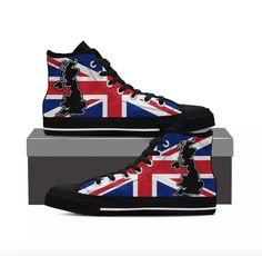 Holy crap these need to be mine! England And Scotland af366b9f93