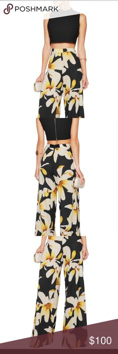 Alice & Olivia Wide leg Athena Pants Such a slimming fit! Looks amazing on! Print is fabulous pair with black on top. Such a beautiful silk fabric. Runs true to size. High waisted and wide leg. Alice & Olivia Pants Wide Leg