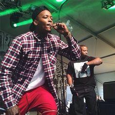 Yg 400 smockin on stage Black Boys, Black Men, 4 Hunnid, Yg Rapper, Chocolate Men, Hi Fashion, Music People, Thug Life, Man Crush
