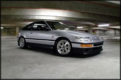 Probably the best looking CRX out there. Of course a guy at a body shop owns it. Someday.
