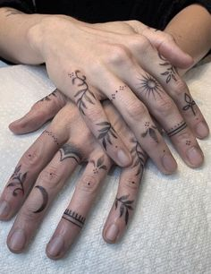 Hand And Finger Tattoos, Finger Tattoo For Women, Finger Tattoo Designs, Hand Tattoos For Women, Finger Tats, Tattoo Designs For Women, Tattoos For Guys, Womens Finger Tattoos, Inner Finger Tattoo