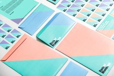Doctor Manzana: A Gadgets Store Gets a Graphic Redesign Photo