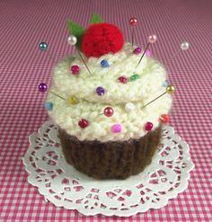 Cupcake KNITTING PATTERN Pincushion  Amigurumi by LiliaCraftParty