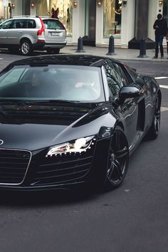 Black Audi R8 – My Dream Car !