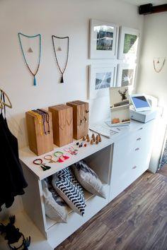 This Former Doritos Truck Has Been Transformed Into A Mobile Fashion Boutique Boutique Mobiles, Beach Boutique, Boutique Ideas, Ikea Cabinets, Minimalist Scandinavian, Mobile Shop, Wood Vinyl, Trucks, Pop Up Shops