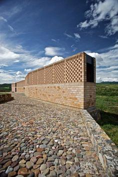Pilgrim Route Refuge / Luis Aldrete