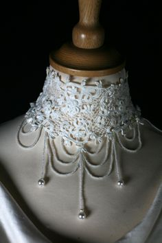 Deanna's neck piece at M & P's wedding...