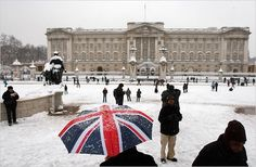 when snow covers Buckingham Palace, London