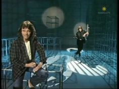 Andreas Martin - Du bist alles 1987 - YouTube Andreas Martin, Kinds Of Music, Youtube, Videos, Board, Musica, Hairstyle Short, Nostalgia, Dinner Gowns