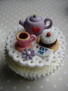 Alice in Wonderland - tea time with the Mad Hatter by Darcys Cupcake Creations, via Flickr