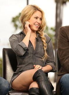 Shakira Shakira Style, Shakira Mebarak, Leather Skirt, Leather Jacket, Universal City, Celebs, Celebrities, Nice Tops, Photo Galleries
