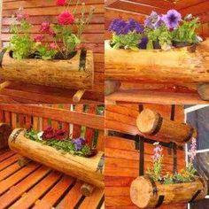 Troncos con flores, encuentra más ideas para decorar de forma ecológica aquí...http://www.1001consejos.com/eco-decoracion/