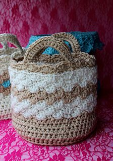 Shell Basket with Handles  ~ free pattern ᛡ