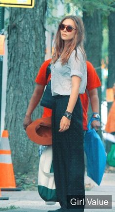"{""token"":""212""} - Elizabeth Olsen"