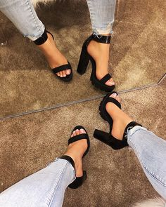 Shop Official Bee: Die neuesten Schuhtrends - Shop Official Bee: The Latest Shoe Trends Shop Official Bee: Die neuesten Schuhtrends – shopofficialbee Heeled Boots, Shoe Boots, Shoes Sandals, Sandals Outfit, Studded Heels, Wedge Heels, Cute Heels, Sneaker Heels, Latest Shoe Trends