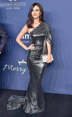Victoria Justice from 2020 amfAR Gala New York City The actress brings the glitz and the glamour to the star-studded affair with her shimmery silver gown. Victoria Justice Style, Vicky Justice, Strapless Dress, Prom Dresses, Evening Dresses, Bodycon Dress, Silver Gown, Long Sleeve Gown, Red Carpet Looks