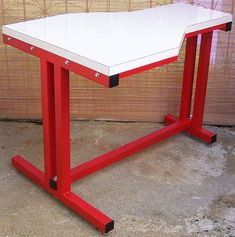 Free plans for free shooting bench. Includes single bench and double benches with wood or metal frame. Links for bench photos and free bench plans. Outdoor Shooting Range, Shooting Table, Shooting Rest, Shooting Targets, Portable Shooting Bench, Shooting Bench Plans, Barn Wood Projects, Metal Projects, Welding Projects