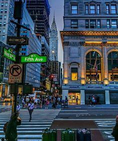 Chrysler Building, New York City. Manhattan New York, Lower Manhattan, New York Photography, Street Photography, Aerial Photography, Landscape Photography, City Apartment, Nyc Life, City Photography