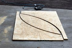 Free ramp plans for a 4 foot mini halfpipe, 8 foot vert halfpipe, 4 foot quarterpipe, grind box and funbox, instructions include step by step pictures and videos. Scooter Ramps, Bmx Ramps, Skateboard Room, Skateboard Ramps, Skateboard Furniture, Half Pipe Plans, Backyard Skatepark, Backyard Pavilion, Mini Ramp