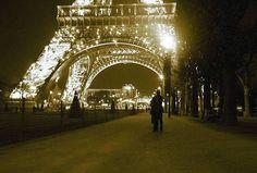 Parigi per innamorati: i luoghi romantici della città - ViaggioInValigia.it