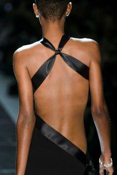 Look Fashion, Fashion Details, World Of Fashion, Runway Fashion, High Fashion, Fashion Design, Fashion Fashion, Alexandre Vauthier, Evening Dresses