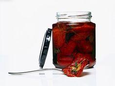 Getrocknete Tomaten ist ein Rezept mit frischen Zutaten aus der Kategorie Fruchtgemüse. Probieren Sie dieses und weitere Rezepte von EAT SMARTER!
