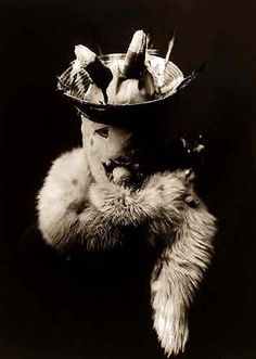 Edward Curtis' epic portraits of North American indians are a joy. And so too are his pictures of North America's indigenous peoples dressed in ceremonial masks. Edward Curtis, Indian Man, Native Indian, Native American Masks, Thing 1, Portraits, Man Ray, First Nations, Old Pictures