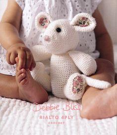 Crochet Mouse in Deb