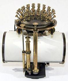 Maquina de escribir Malling-Hansen. mte.cat
