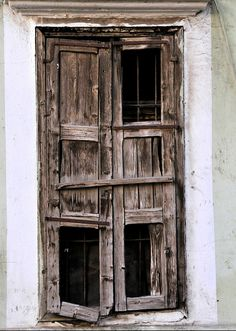 abriendo-puertas:  Old Windows of Burj Hammoud. Beirut. Lebanon. By Mohannad Khatib
