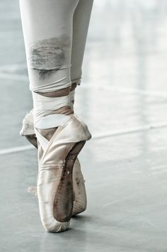en pointe...love ballet thank you mom for letting me dance