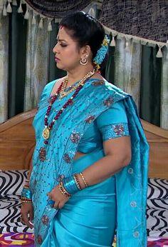 Stunning beauty Indian Actress Hot Pics, South Indian Actress Hot, South Indian Bride, Most Beautiful Indian Actress, Indian Actresses, Indian Natural Beauty, Indian Beauty Saree, Beautiful Girl In India, Beautiful Saree