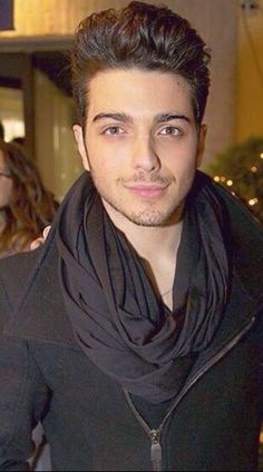 Gianluca Ginoble ⭐️IL VOLO⭐️the man in black!❤️