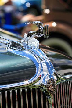 1933 Chrysler CL Custom Imperial Dual cowl Phaeton hood ornament
