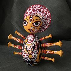 Maa Durga - A custom Etsy doll Kali Puja, Durga Maa, Bengali Culture, Quilling Dolls, Elephant Crafts, Paper Mache Crafts, Indian Folk Art, Clothespin Dolls, Cute Clay