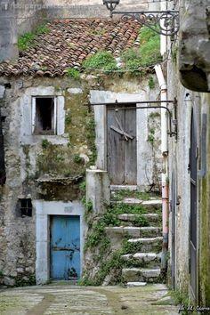 Vico del Gargano confermato tra i borghi più belli d'Italia (foto) - http://blog.rodigarganico.info/2015/gargano/vico-del-gargano-confermato-tra-i-borghi-piu-belli-ditalia-foto/