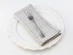 Square Link Dinner Napkin in Linen from Southern Sisters Home