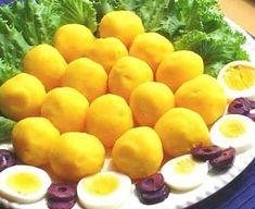 Causa Limena - Peruvian Food - Peruvian Food Recipes Read More by Recipe Mix, Recipe Ideas, Peruvian Recipes, Mashed Cauliflower, Desert Recipes, Appetizers For Party, International Recipes, Catering, Picnic