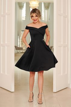 StarShinerS black occasional elegant cloche dress with a cleavage off shoulder flexible thin fabric/cloth Dress Outfits, Fashion Outfits, Baptism Dress, Black Wedding Dresses, Dress Cuts, All About Fashion, Grunge Fashion, Special Occasion Dresses, Size Clothing