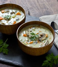 Creamy Wild Rice & Mushroom Soup.  This looks like a fantastic site for vegetarian and vegan fans!! WOOHOO!