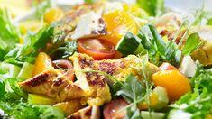 Leipäjuusto sopii mainiosti kanasalaattiin, jossa on lisäksi mandariinilohkoja tuomassa salaattiin makeutta. Cantaloupe, French Toast, Good Food, Fruit, Breakfast, Recipes, Koti, Drinks, Morning Coffee