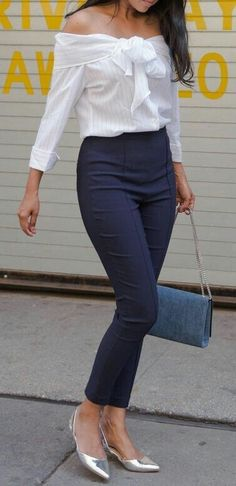 Stylish brunette in navy blue pants and off-the-shoulder striped top - moda rgp - Mens, Women's Outfits Boho Outfits, Casual Outfits, Summer Outfits, Fashion Outfits, Cute Outfits, Formal Outfits, Casual Work Clothes, Summer Work Outfits Office, Outfit Office