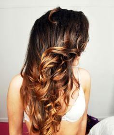 gorgeous curled brown brunette hair with blonde tips / dip dyed