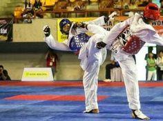 """Hacène Louami ("""" est un Algérien issu de l'émigration, membre de la Police Municipale de Lille """")champion du monde de Taekwondo en 2015... http://www.radioalgerie.dz/news/fr/article/20150622/44463.html"""