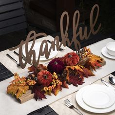 Fall Table Centerpieces, Centerpiece Decorations, Fall Decorations, Thanksgiving Table Settings, Thanksgiving Decorations, Thanksgiving Ideas, Fall Table Settings, Thanksgiving Celebration, Seasonal Decor