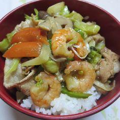 肉野菜炒め丼