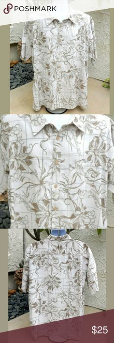 "Mens O'Neil Button Up Hawaiian Casual Shirt Sz XXL Men's O'Neill, Heritage Series, Tan & Cream Short Sleeve Button Up Hawaiian Shirt XXL 2XL.... Hawaiian floral design, Made of Rayon & Polyester Blend that feels like silk....so soft.  PREOWNED EXCELLENT, LIKE NEW CONDITION, DRY CLEANED PRIOR TO LISTING.....Enjoy!  Measurements: Sleeve-  24"" Mid neck to end of sleeve Chest-  27"" Underarms left to right Length-   34"" Top to bottom O'Neill  Shirts Casual Button Down Shirts"